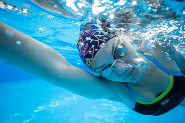 【意外と知らない】水泳で体重を前に乗せる具体的な方法とは?